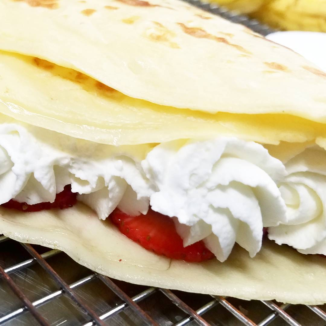 crepe catering near me best bakery pancake italian real whipped cream fresh strawberries fruit breakfast lunch