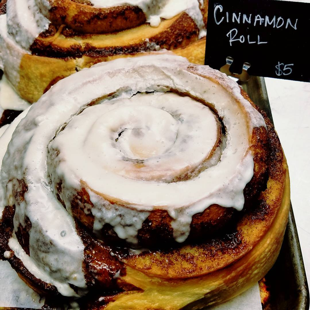 You'll need 2 hands for this Cinna