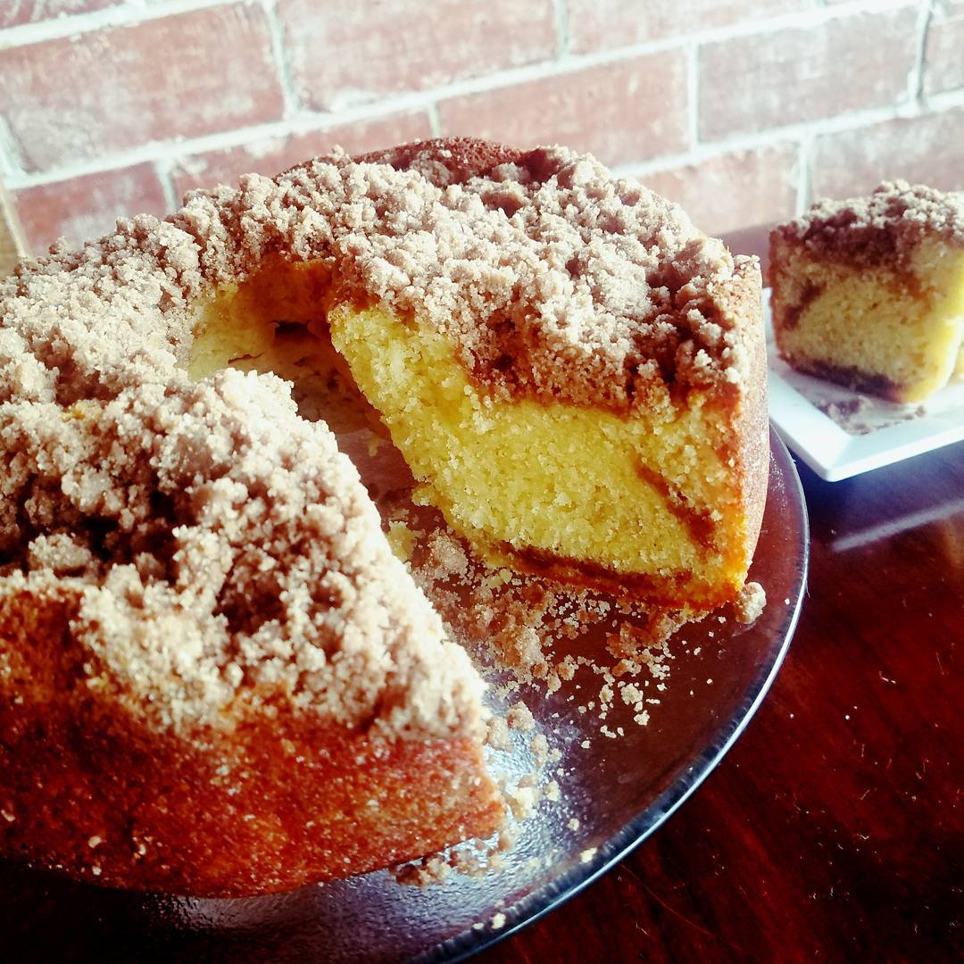 Coffee Cake Bundt Streusel. Warm. @belle