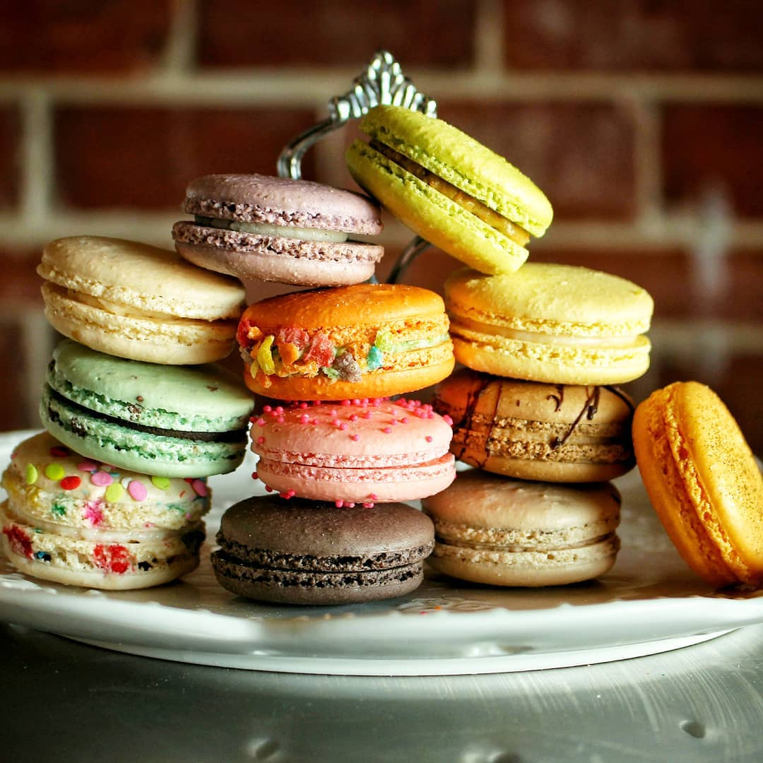 macarons for brekkie yes bellekitchenokc macaron macarons food foodie. Black Bedroom Furniture Sets. Home Design Ideas